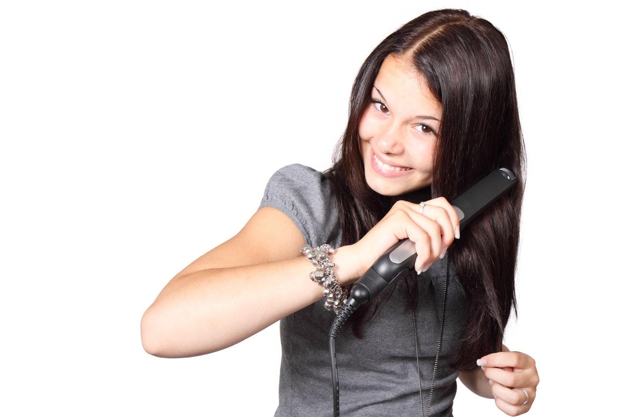 La piastra per capelli: ecco come sceglierla