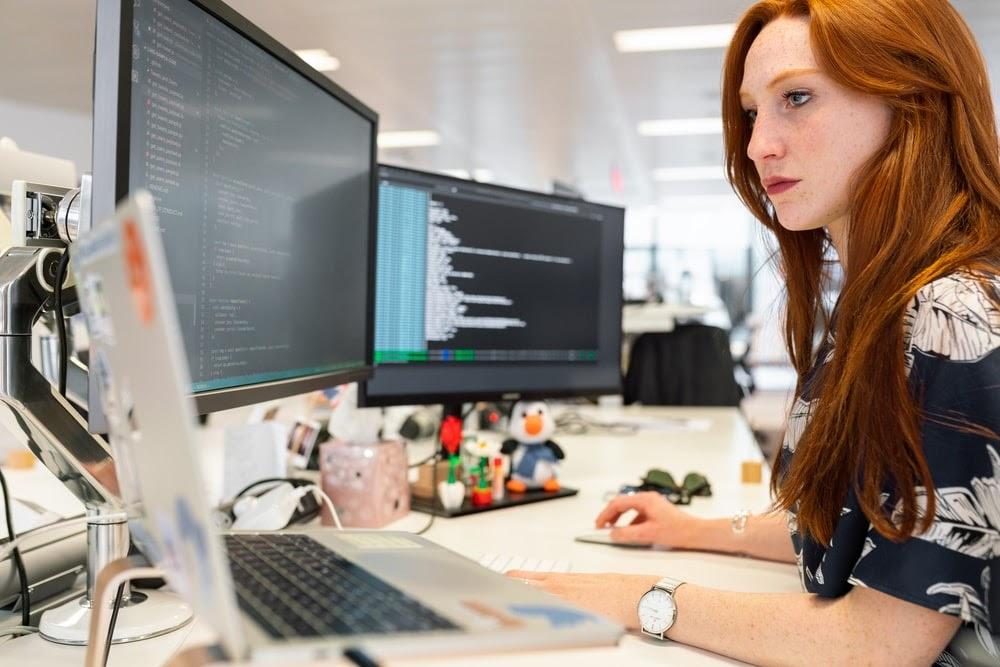 Le figure professionali necessarie per il passaggio a una società digitale